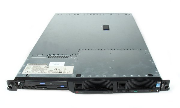 http://hcoop.net/~docelic/IBM_xSeries335_Front_0Bay.jpg